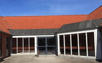 Projektet Ramløse Børneby er opført i 1980 og anvendes som specialpædagogiske skole. Skolehuset, er skole- og fritidsordning for børn med særlige behov, inden for autismespektret.