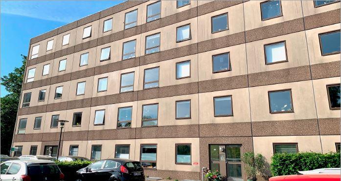 Projektet AB Solbjerghus omfatter ingeniørrådgivning vedr. tekniske installationer og bistand vedrørende udskiftning af brugsvandinstallationer i andelsboligforeningens 60 boliger.